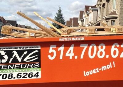 Conteneur plein de Zone Conteneur Inc à Mirabel - Zone Conteneur Inc. Montréal