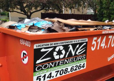 Conteneur rempli de Zone Conteneurs Inc. à Mirabel - Zone Conteneurs Inc. - Montréal