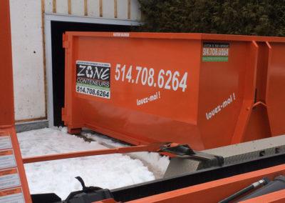 Livraision d'un conteneur de Zone Conteneur Inc. à Mirabel - Zone Conteneur Inc. Montréal