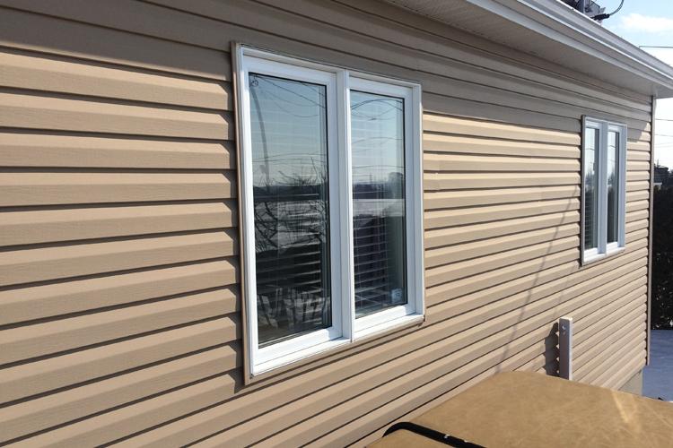 Printemps - Sinistre et fonte des neiges ( Les fenêtres et les portes du sous-sol ) - Zone Conteneurs Inc. - Mirabel, Montreal