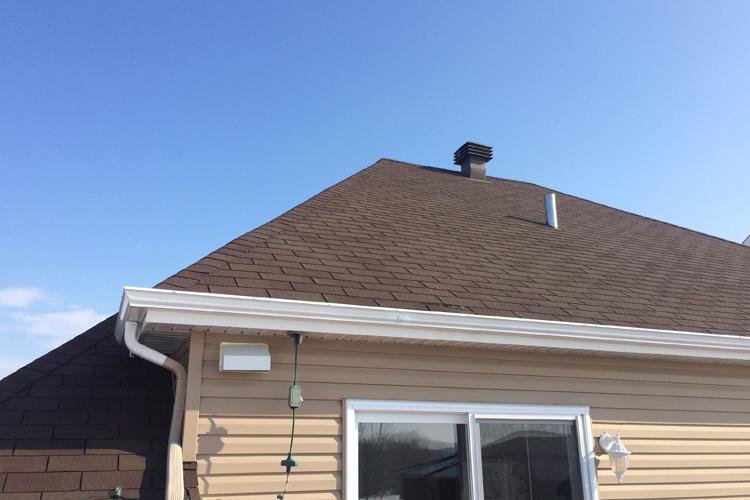 Printemps - Sinistre et fonte des neiges ( L'état général de votre toiture ) - Zone Conteneurs Inc. - Mirabel, Montreal
